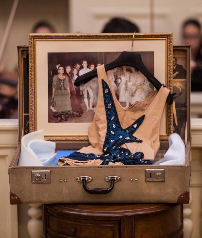 """chabukianis kostiumi 1 - ვახტანგ ჭაბუკიანი და """"კულტურის საერთაშორისო ფორუმი"""""""